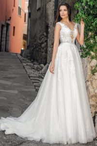 wedding dresses with stones