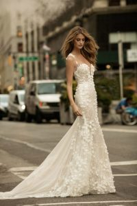 Fashionable wedding dresses