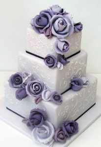decorating a wedding cakes