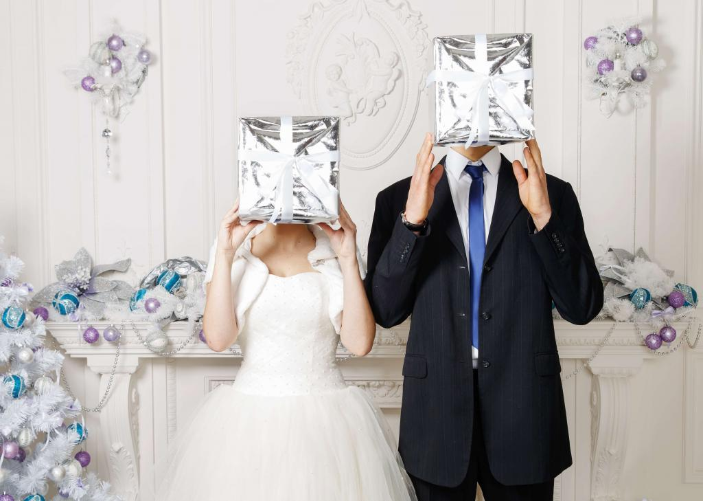 Best gifts for 3 years of weddings